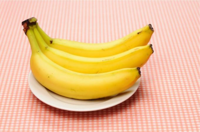 Eat 3 Bananas A DAY Can Benefit Your Brain, Heart, AND Waistline